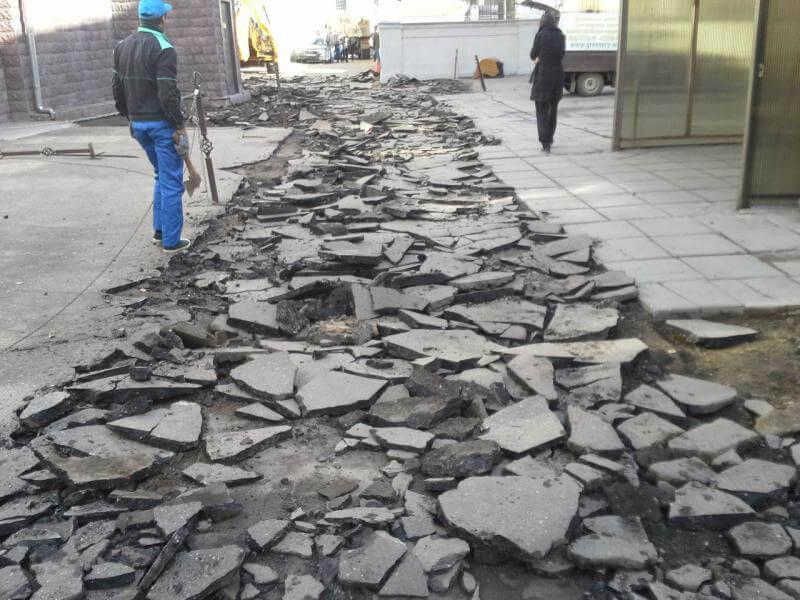 Демонтаж асфальтового покрытия